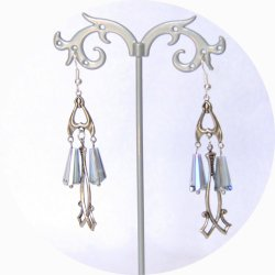Boucles d'oreilles rétro art déco bleues  avec pampille art déco argentée