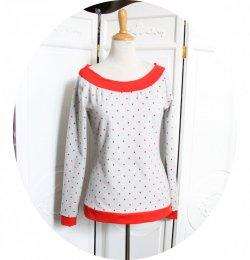 Haut sweatshirt gris chiné à pois rouges à manches longues et encolure danseuse