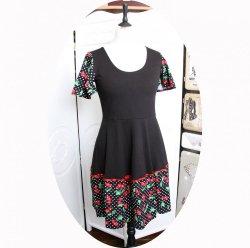 Robe noire à pois blancs et cerises rouges à manches courtes et jupe évasée