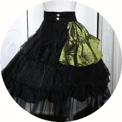 Sur-jupe en velours noir et taffetas vert brodé